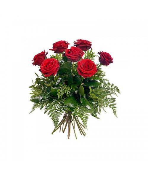 7 červených růží