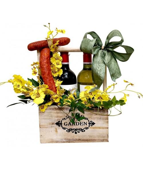 kvetiny-pro-muze-klobasky-vino